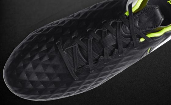 Botas de Fútbol Nike Tiempo Negro / Blanco